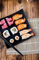färgglada japanska tema med sushi