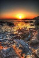 färgglad solnedgång i hdr foto