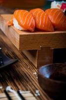 färsk och välsmakande orientalisk sushi, japansk tema
