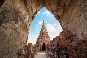 pagod- och stupatempel i forntida stad foto