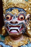 balinesisk gudstaty foto