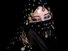 mystisk östlig kvinna foto