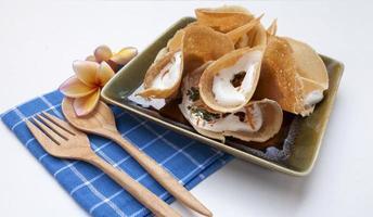 närbild thai krispig pannkaka foto