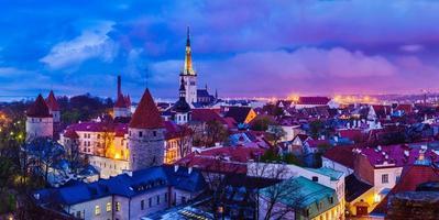 tallinn medeltida gammal stadspanorama, Estland foto
