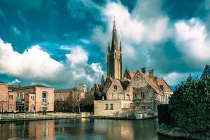 det pittoreska stadslandskapet i Brugge, Belgien foto