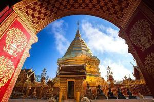 wat phra som doi suthep, historiska tempel i Thailand foto