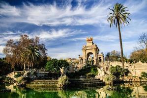 pittoresk fontän i Parc de la ciutadella, Barcelona foto