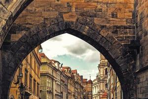 charles bridge i prag foto