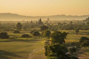 myanmar, tempel i bagan foto