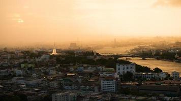 Wat Prayoon Temple bredvid Chaopraya River - Bangkok