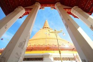 wat phra prathom jedi, phra prathom jedi tempel, den stora pagoden i Thailand foto