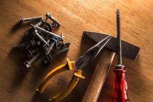 uppsättning smutsiga gamla handverktyg. närbild foto