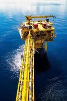 olje- och gasplattform foto