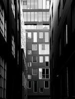 gränd mellan byggnader foto