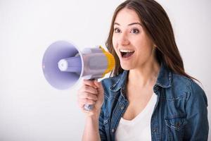 kvinna med megafon foto