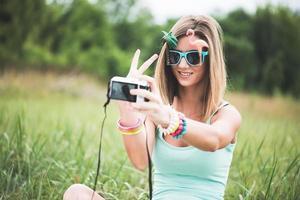 festivalfolk som tar självporträtt foto