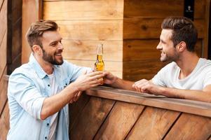 här är din öl! foto