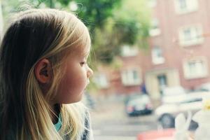 porträtt av 5 år gammal flicka foto