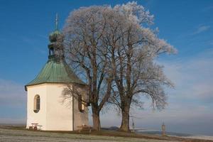 liten kyrka foto