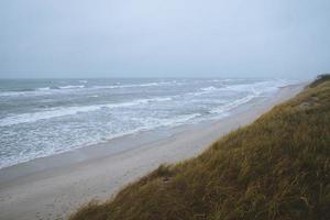stormig dag på det baltiska havet foto