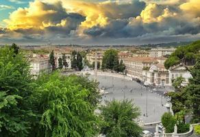 översikt över piazza del popolo i Rom foto