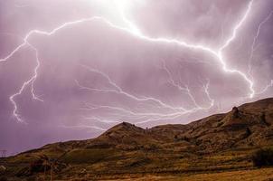 blixtnedslag i himlen foto