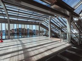 grå stålkonstruktion foto