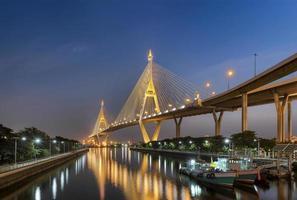 bhumibol bridge i Thailand