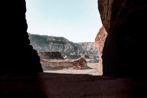 bergformationer på dagtid foto