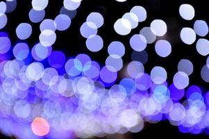 blå och lila bokeh foto