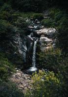 Flygfoto över vattenfallet foto
