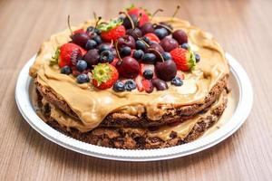 frukt täckt cookie cake