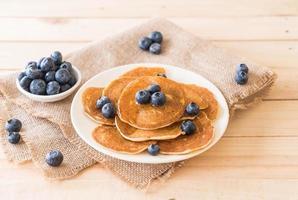 pannkakor med färska blåbär