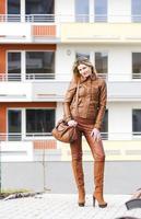 kvinna på gatan foto