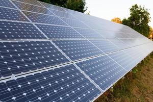 solpaneler för elkraft foto
