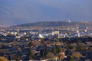 ovanifrån av den gamla staden i Lijiang.
