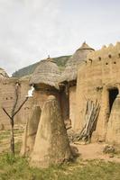 togo, afrika: by på koutammakou världsarv foto