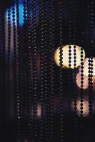 svart pärlstav gardin foto