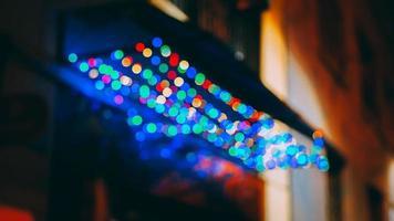 mångfärgade bokeh-lampor foto