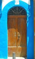 ibiza, Spanien. färgad dörr foto