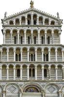 detalj av Pisa katedral fasad foto