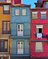 färgglada hus av oporto foto