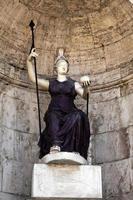 staty av gudinnan Rom