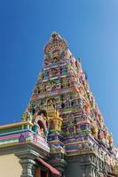 fasad på ett hinduiskt tempel i Victoria, Seychellerna foto