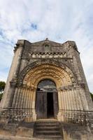 västfasad av Notre-Dame de l'assomption de fenioux kyrka, xi foto