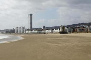 lägenheter vid stranden - Swansea foto