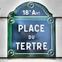 paris-plaque de rue - place du tertre-montmartre foto