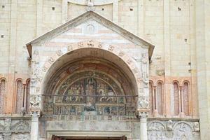 san zeno maggiore kyrkodetalj, verona, italien. foto