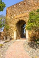 antik tegel passageway dörr i den berömda foto