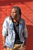 porträtt av en afroamerikansk man foto